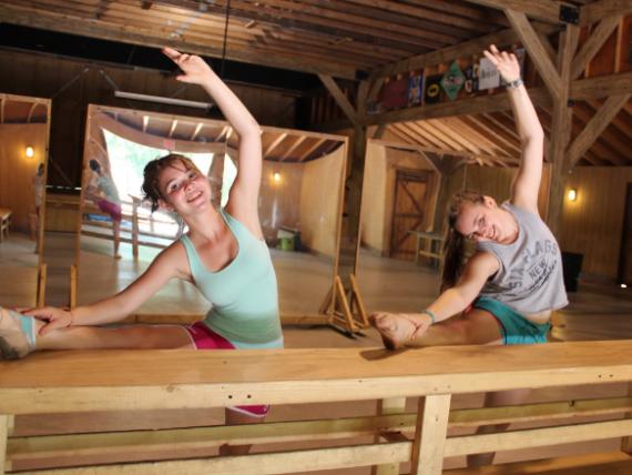 Two girls doing ballet